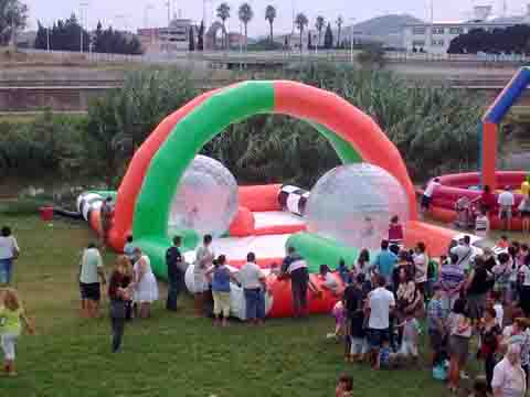 LLOGUER CIRCUIT INFLABLE ZORBALLS www.medirflash.cat