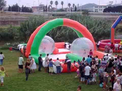 ALQUILER CIRCUITO HINCHABLE ZORBALLS www.medirflash.com
