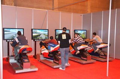 ALQUILER SIMULADORES MOTOS GP www.medirflash.com